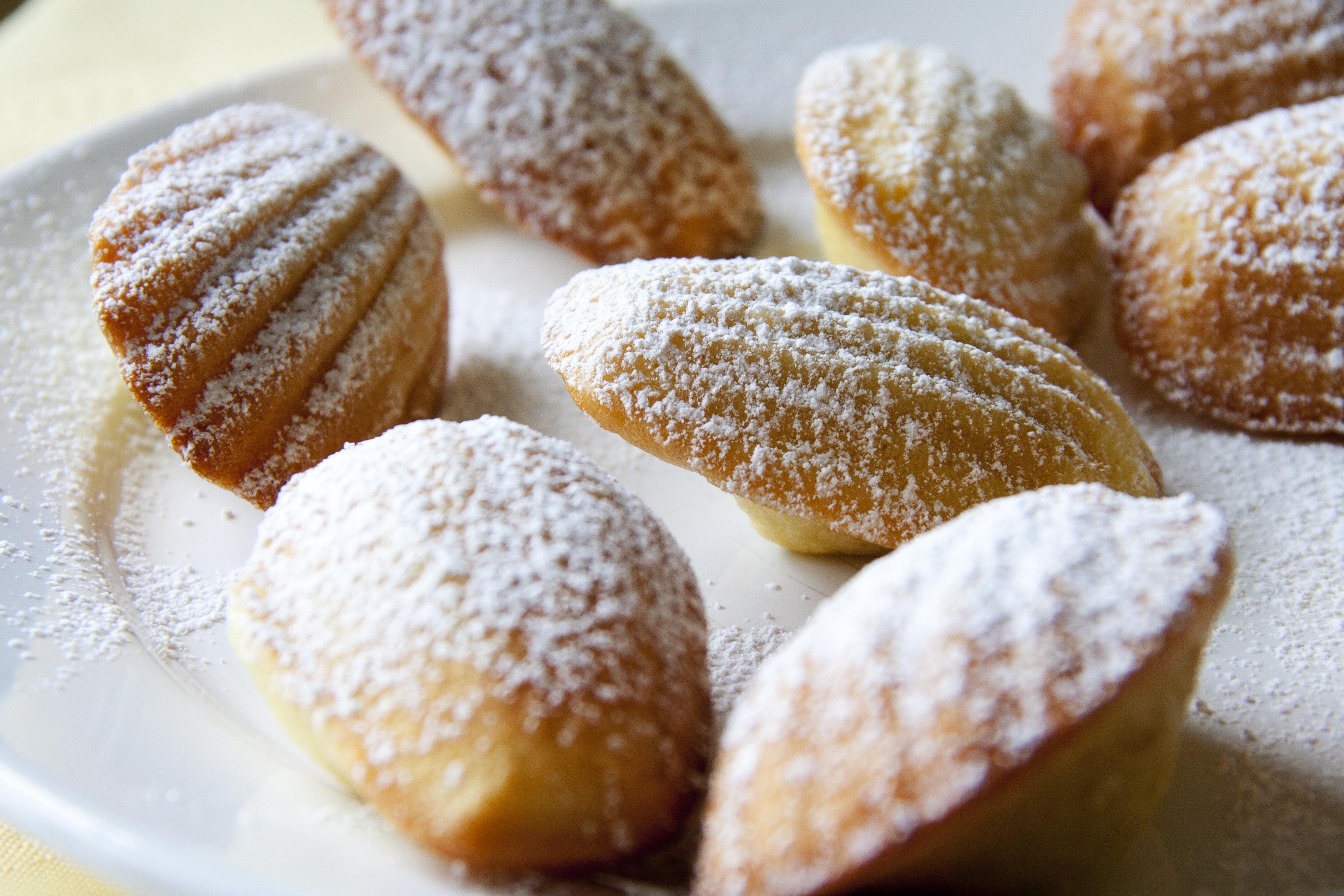 Powdered Madeleines